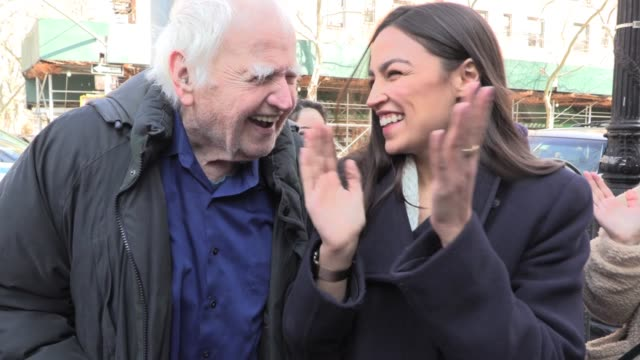 Malachy McCourt sings 'Wild Mountain Thyme' to Alexandria OcasioCortez at St Pat's For All LGBTQ Parade Sunnyside Queens 20th anniversary