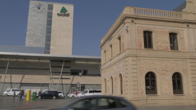 vídeos y material grabado en eventos de stock de malaga maria zambrano railway station exterior, malaga, andalucia, spain, europe - estación de tren