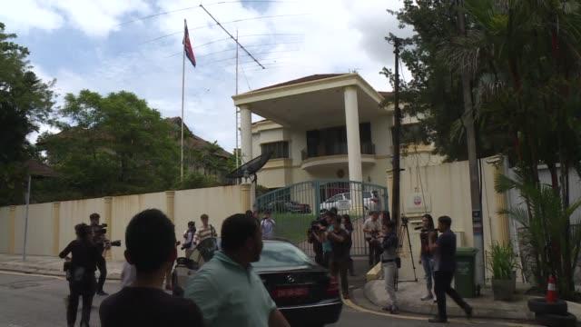 Malasia le dio el sabado 48 horas al embajador de Corea del Norte para abandonar su territorio luego de la crisis diplomática causada por el...