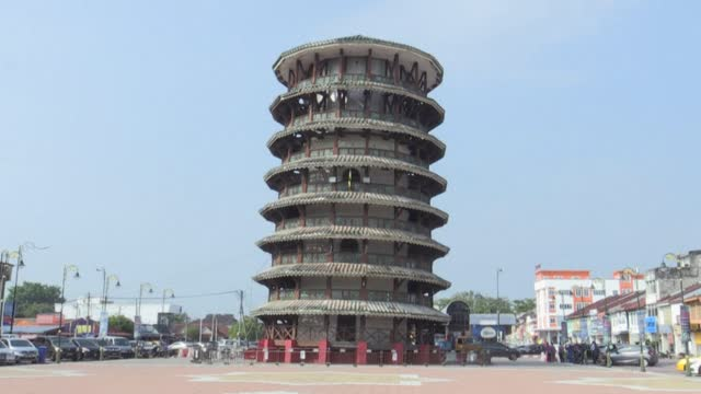 MYS: Historical leaning tower of Malaysia stands strong, draws in visitors
