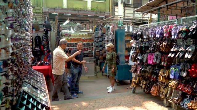malaysia. kuala lumpur, chinatown - クアラルンプール点の映像素材/bロール