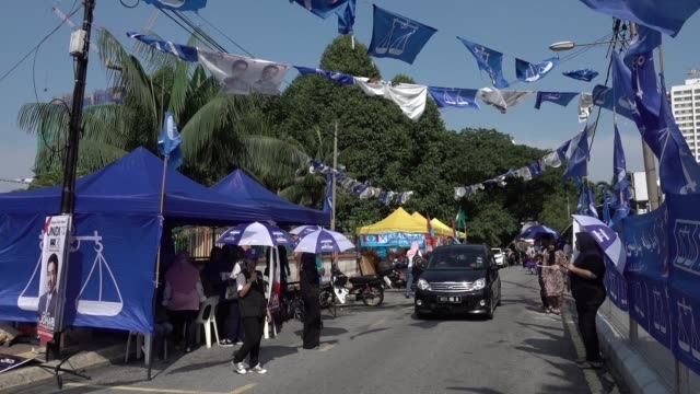 Malaysians head to the polls on Wednesday in a fiercely contested general election between the ruling coalition of Prime Minister Najib Razak and...