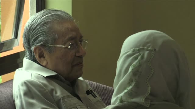 stockvideo's en b-roll-footage met malaysia's former prime minister mahathir mohamad 92 was barred from visiting jailed opposition leader anwar ibrahim in a kuala lumpur hospital days... - former