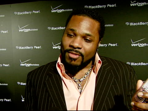 malcolm jamal warner on the new phone at the pink blackberry pearl smartphone launch party on january 31, 2008. - malcolm jamal warner stock videos & royalty-free footage