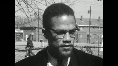 vidéos et rushes de malcolm x explains how he feels that standing up for yourself when you are being attacked is the natural, intelligent approach to confronting racial... - injustice