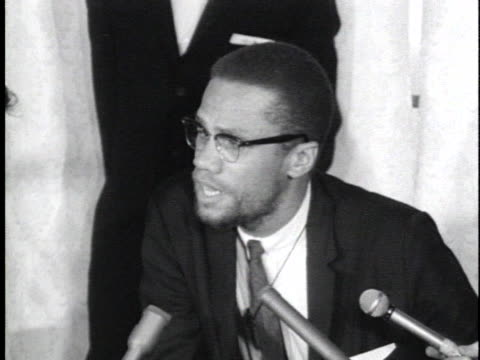 stockvideo's en b-roll-footage met malcolm x praises the kenyan mau mau terrorist group malcolm x blasts the us for its white supremacist attitude malcolm x encourages americans to... - war or terrorism or military