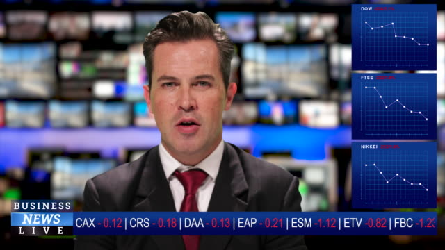 stockvideo's en b-roll-footage met ms male anchor at news desk presenting business news during the great lockdown economic crisis - reportage afbeelding