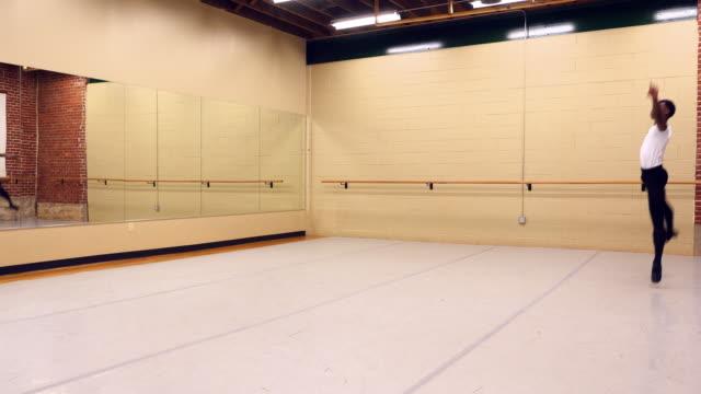 ms male ballet dancer practicing in dance studio - ballet dancer stock videos & royalty-free footage