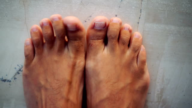 male feet - toe stock videos & royalty-free footage