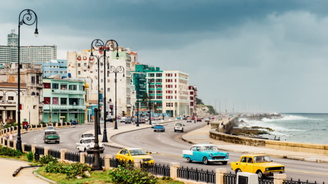 malecon havana cuba - cuba video stock e b–roll