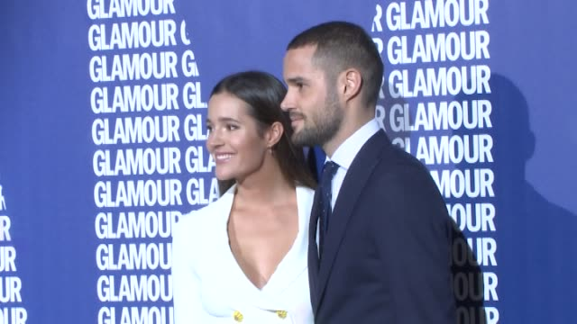 vídeos y material grabado en eventos de stock de malena costa and mario suarez attend the glamour magazine awards and 15th anniversary dinner at the ritz hotel on december 12 2017 in madrid spain - glamour