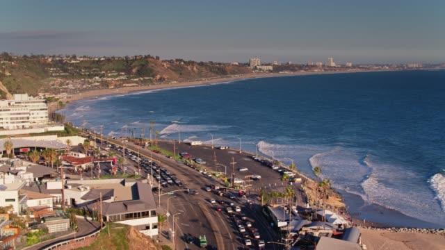 stockvideo's en b-roll-footage met malibu, californië - luchtfoto - malibu