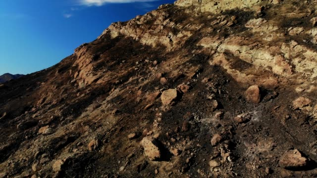 malibu lake ausläufern - woolsey feuer stock-videos und b-roll-filmmaterial