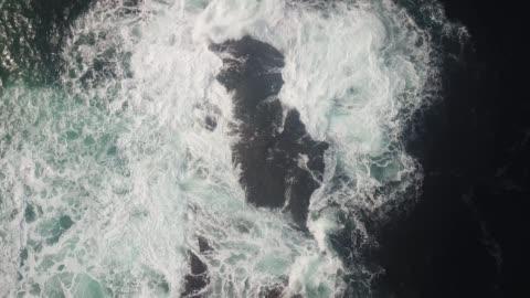 vídeos de stock, filmes e b-roll de malin head, donegal along the wild atlantic way, ireland. - oceano atlântico