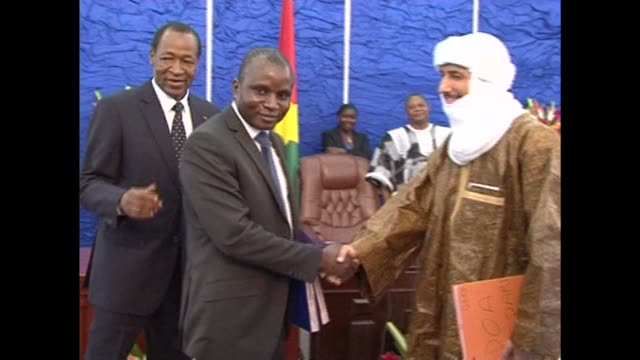 malis government sign a ceasefire accord with tuareg rebels paving the way for presidential elections in the troubled west african state next month.... - rebellion stock videos & royalty-free footage