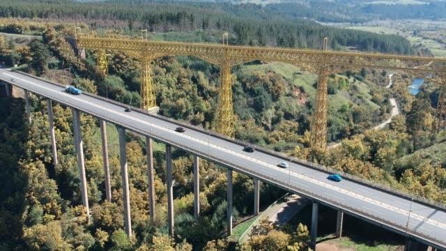 vídeos de stock e filmes b-roll de malleco viaduct - puente