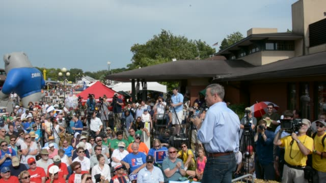 o'malley speaking to a large crowd at the des moines register soapbox iowa state fair - meat chop stock videos and b-roll footage