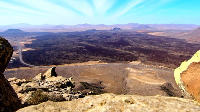 Malpaís Grande Time lapse video, Caldera de los Arrabales in the left, Fuerteventura