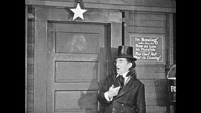1919 Man (Buster Keaton) accommodates a demanding actor by placing him in the dressing room with a star hanging above, but once the actor is in inside, Keaton hangs the star above the adjacent dressing room