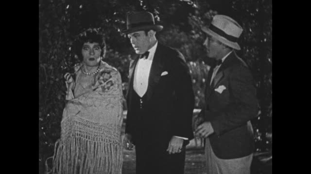 1932 Man (Bing Crosby) and a female impersonator are caught in the act