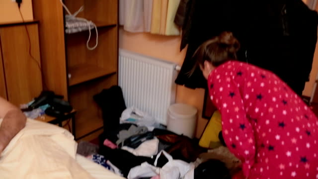 man and woman fighting about messy room - messy stock videos & royalty-free footage