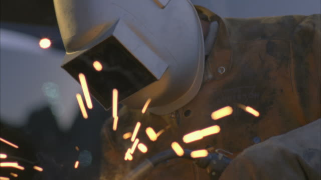 cu man arc welding next to truck / boulder city, nevada, usa - hoover dam stock videos and b-roll footage