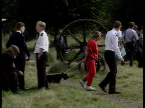 Man arrested in connection with murder of Rachel Nickell London Wimbledon Common Police questioning woman with dog PAN LR