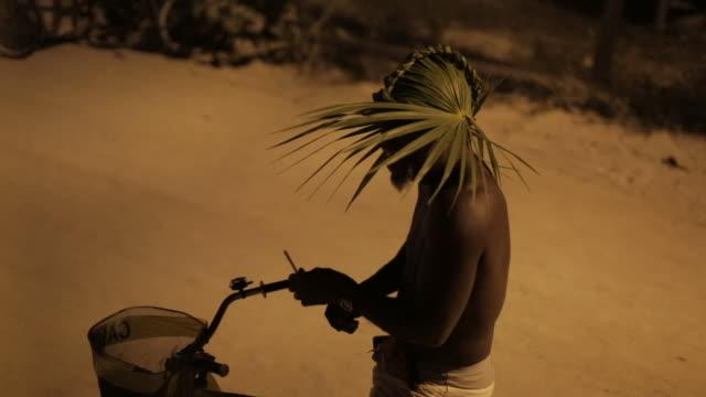 man bike talks to tourists in belize - rastafarian stock videos & royalty-free footage