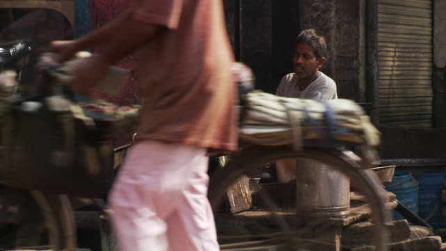 man cooking on side of street - agra stock videos and b-roll footage