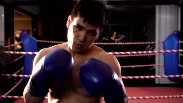人間運動スポーツ ボクシング、スローモーション - 戦う点の映像素材/bロール