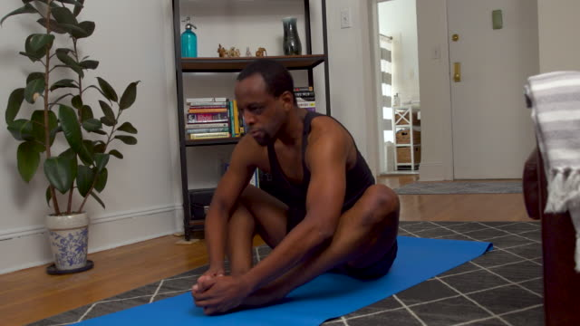 man exercising at home - exercise room stock videos & royalty-free footage