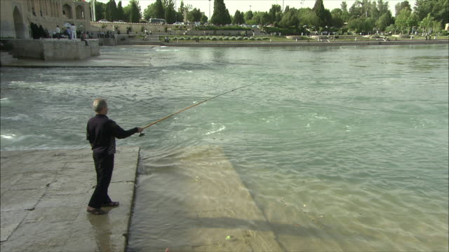WS HA Man fishing in Zayandeh River, Isfahan, Iran