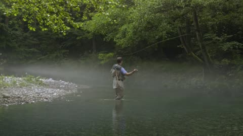 man fly fishing in vermont - freshwater stock videos & royalty-free footage