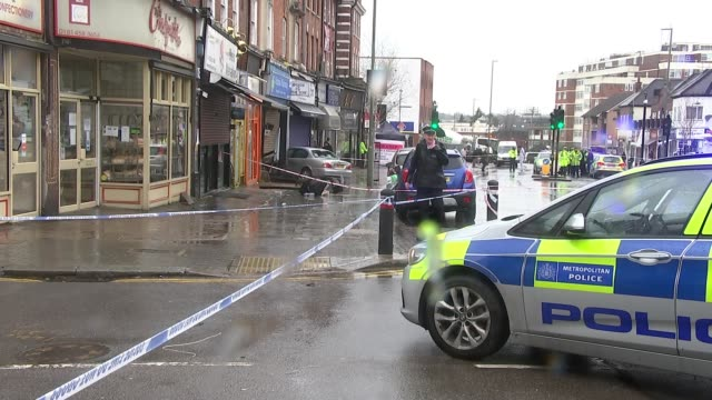 vídeos y material grabado en eventos de stock de man in critical condition after being hit by car in golders green england london golders green ext various shots of car crashed into front of... - golders green