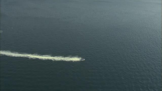 aerial ws ts zi man jet-boating, eilat, arava, israel - アラバ砂漠点の映像素材/bロール