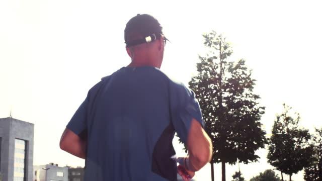 SLO MO-TS Mann, jogging in der Stadt