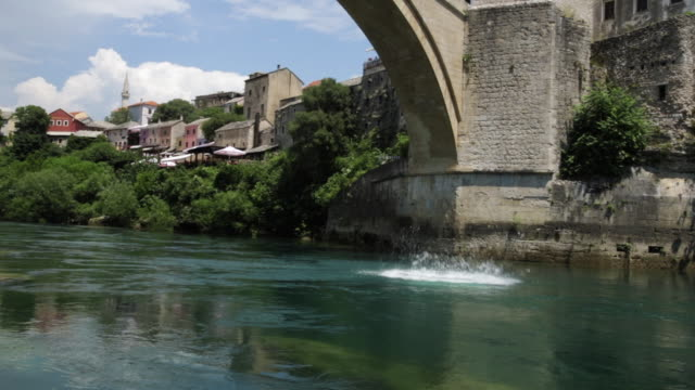 Man Jumps From Famous Old Bridge Mostar