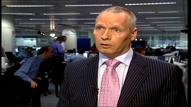 police appeal for more witnesses london int detective superintendent ashley croft interview sot talks about the importance of finding witnesses to... - croft stock videos & royalty-free footage