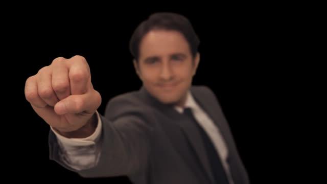 stockvideo's en b-roll-footage met ms man knocks on door  - to camera version 2 - compleet pak