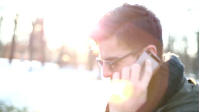 男性の電話