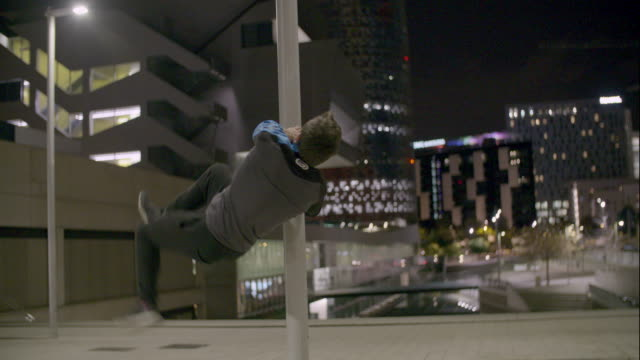 Man performing parkour at Barcelona - Sport Concepts