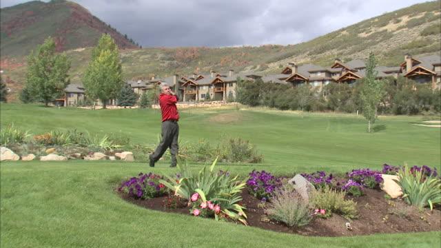 ws man playing golf / provo, utah, usa - provo stock videos & royalty-free footage