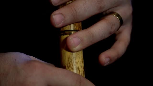 リード フルートを演奏する男 - スーフィズム点の映像素材/bロール