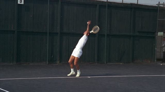 WS TS Man playing tennis game on University of Southern California / Los Angeles, USA