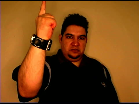 man pointing at camera - människofinger bildbanksvideor och videomaterial från bakom kulisserna