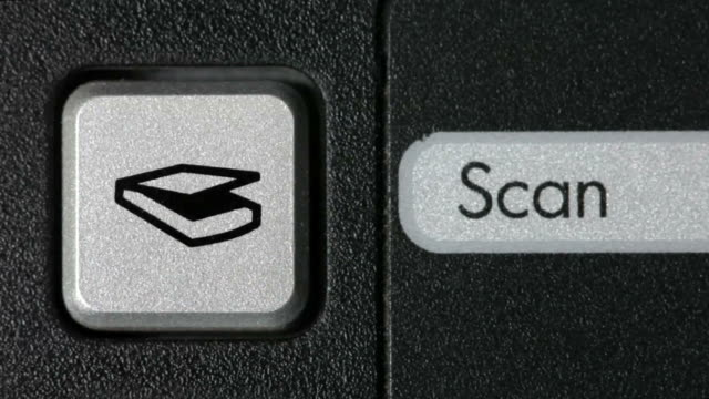 CU, Man pressing scan button