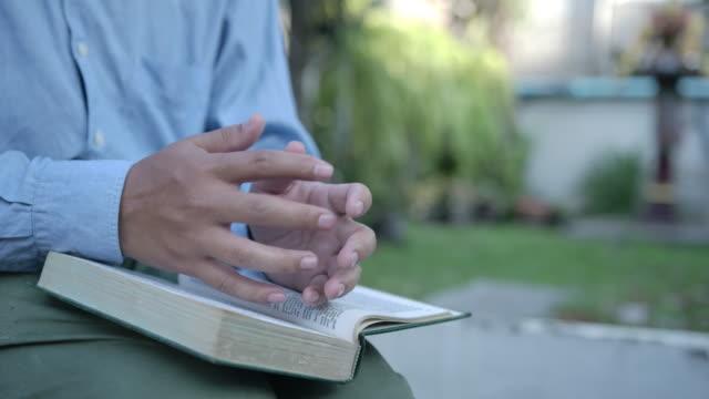 man reading torah book - clergy stock videos & royalty-free footage