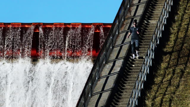 Man runs down stairs Hoover Dam in Westerville Ohio