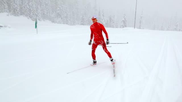 ms ts man skiing on icy landscape / whistler ,bc ,canada - längd bildbanksvideor och videomaterial från bakom kulisserna
