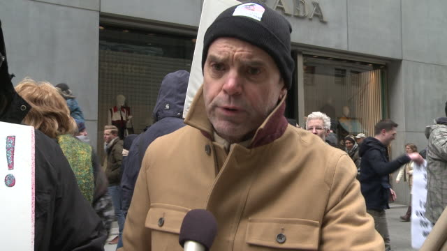 man speaks against the questionable decision to ban the lgbt community from marching in the new york city st. patrick's day parade, during a protest... - omofobia video stock e b–roll
